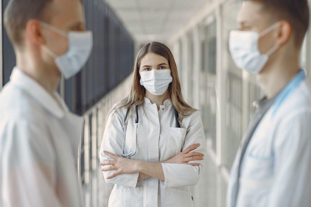 Las instituciones sanitarias de la Comunidad de Madrid, reforzadas tras el anuncio de la Oferta Pública de Empleo de 2020