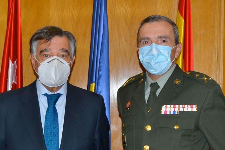 El COFM colaborará con Defensa en la formación e investigación dentro de las Ciencias Farmacéuticas y de la Salud.
